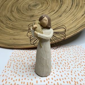 "Willow Tree ""Angel of Friendship"" figurine"